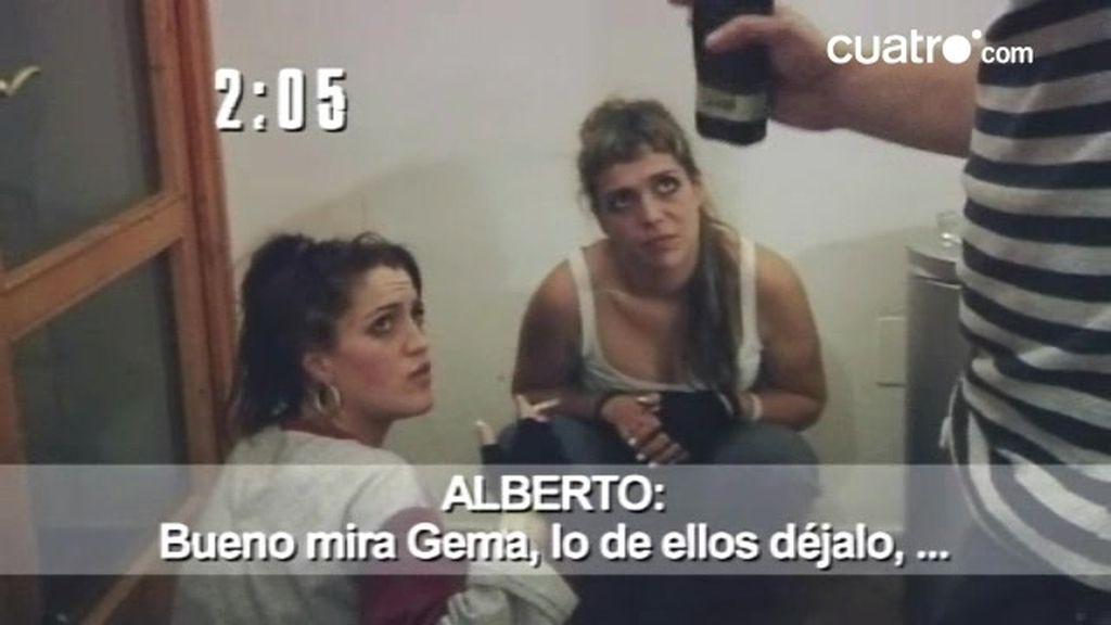 Gemma y Esther consumen drogas en el centro