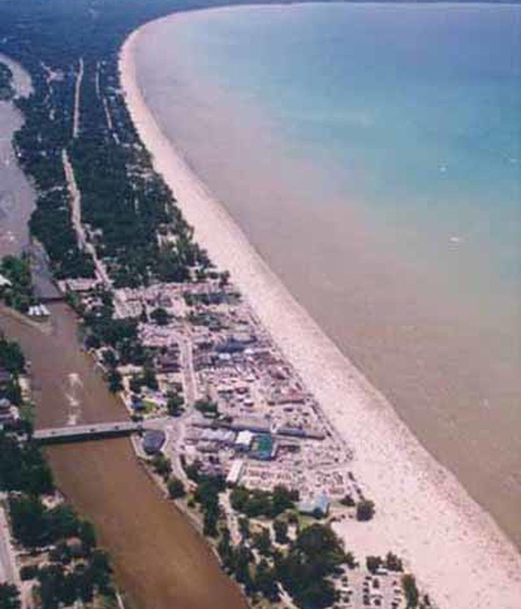 Wasaga, en Ontario Canadá, es la mayor playa de agua dulce del mundo, con 14 kilómetros