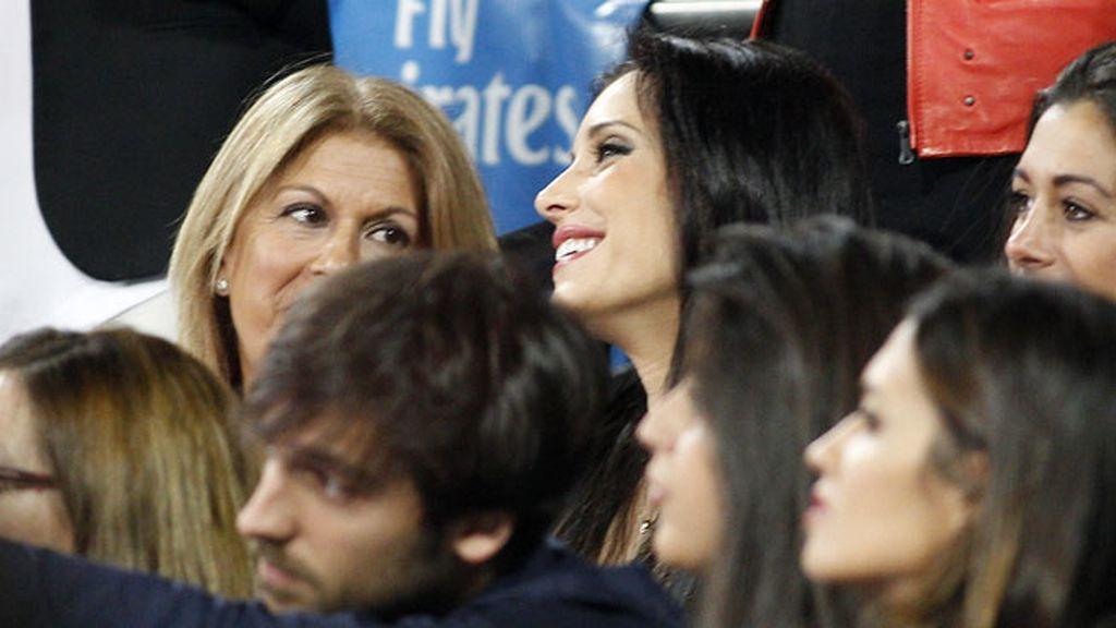 Pilar Rubio estuvo acompañada de su suegra, Paqui