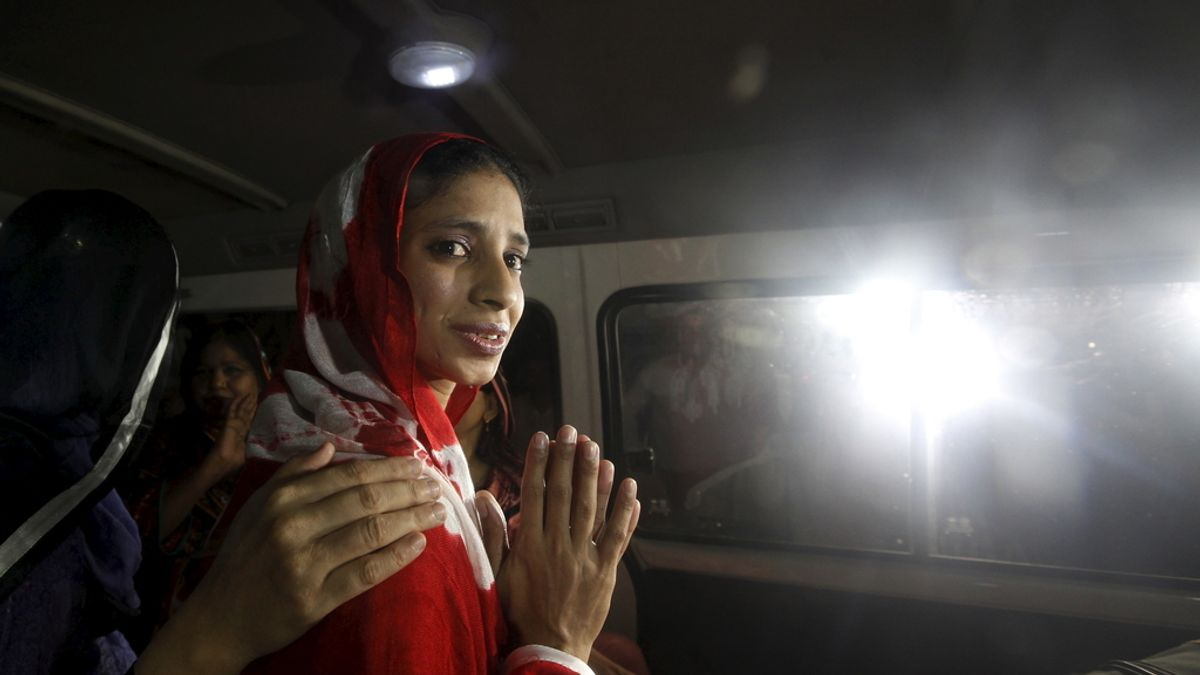 """Presentado en Pakistán un proyecto de ley que pide pegar a la mujer """"ligeramente"""""""