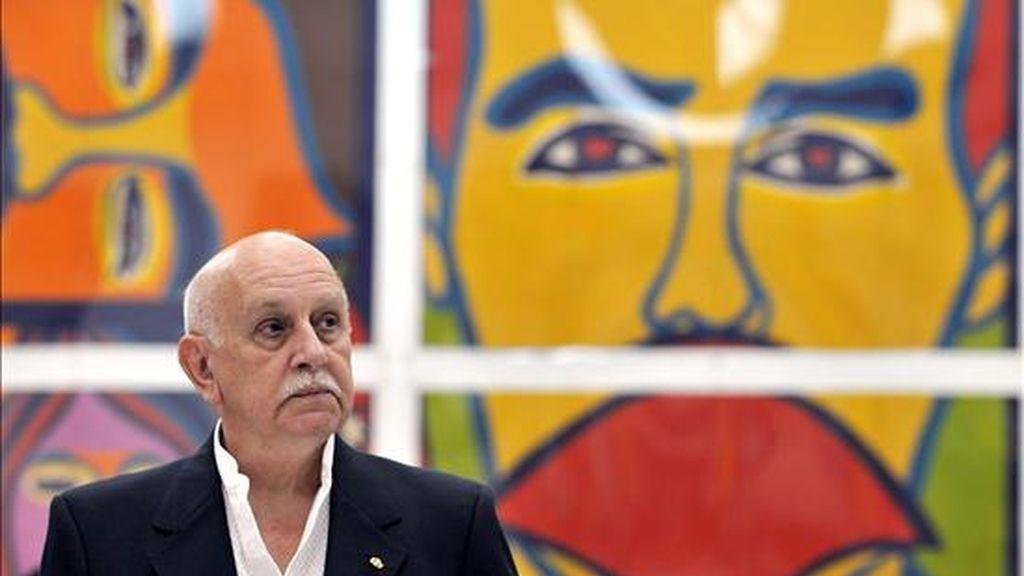 """El artista plástico paraguayo Carlos Colombino se dispone a recibir la medalla """"Haydee Santamaría"""", en la Casa de las Américas de La Habana (Cuba). EFE"""