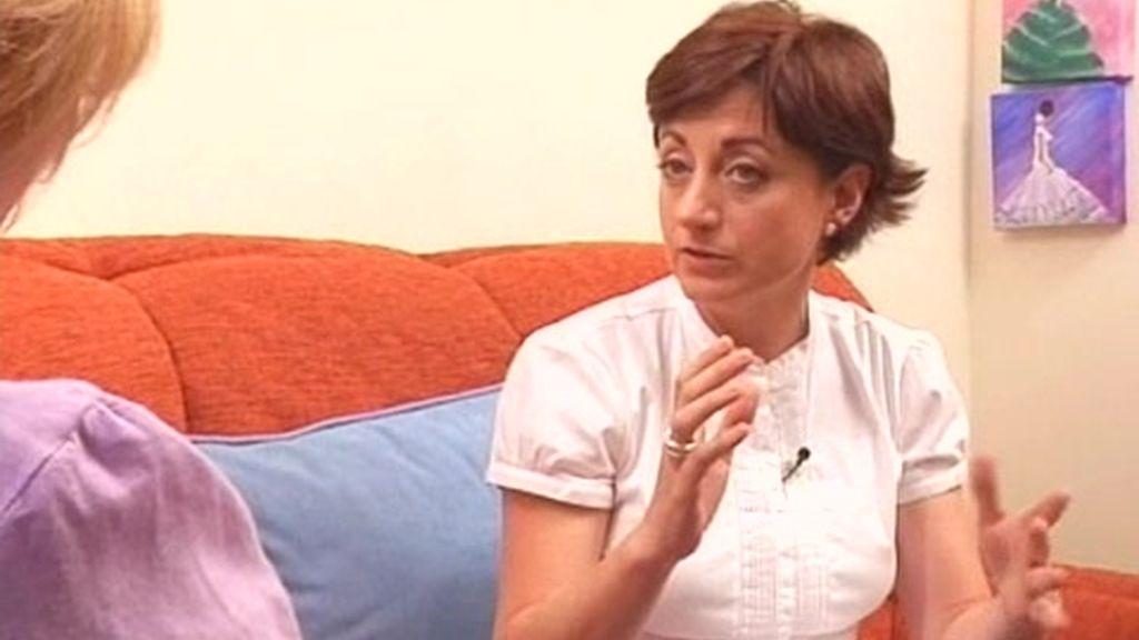 Supernanny le explica a Esther cómo tiene que afrontar la educación de su hijo Alex