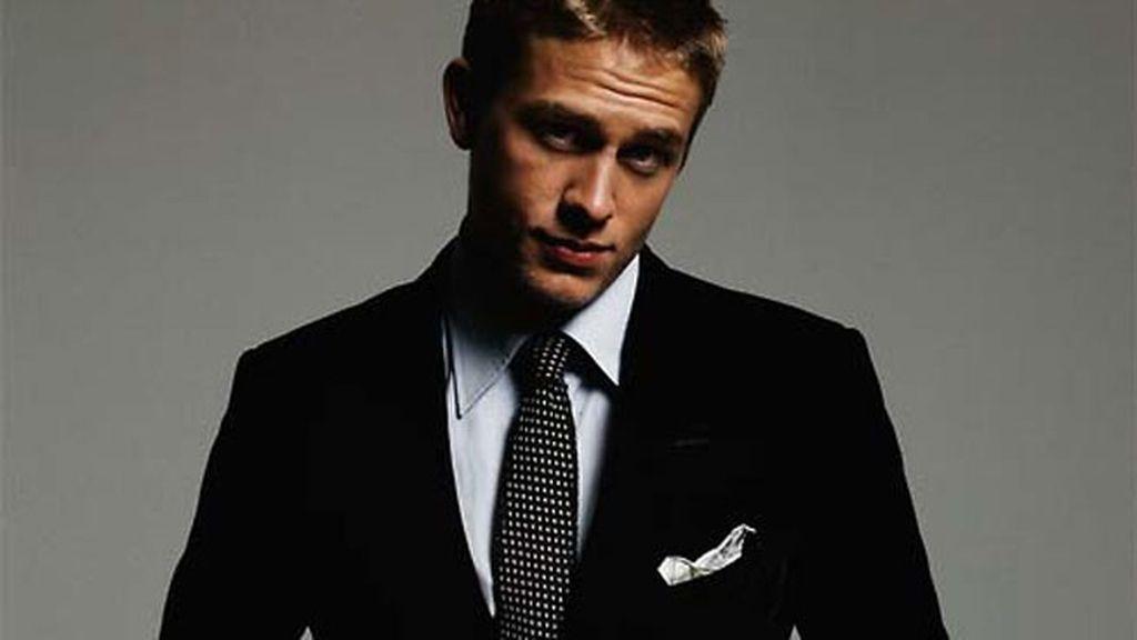 Sonrisa, cuerpo, elegancia, lado oscuro... ¿tiene las cualidades de Grey?