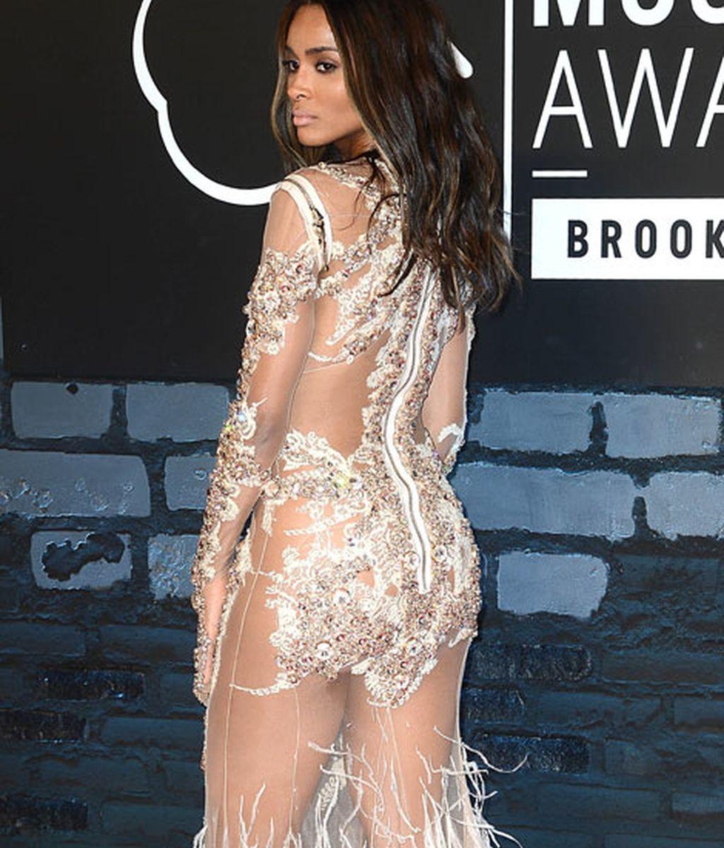 La cantante Ciara dejó muy poco a la imaginación
