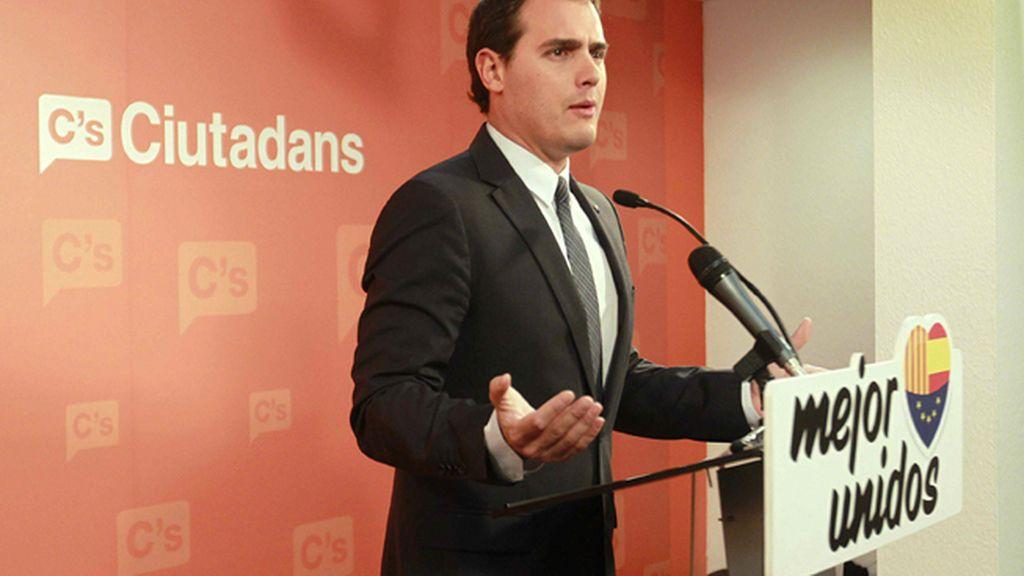 """Albert Rivera: """"Ni catalanes ni españoles deben pagar los platos rotos de esta irresponsabilidad"""""""