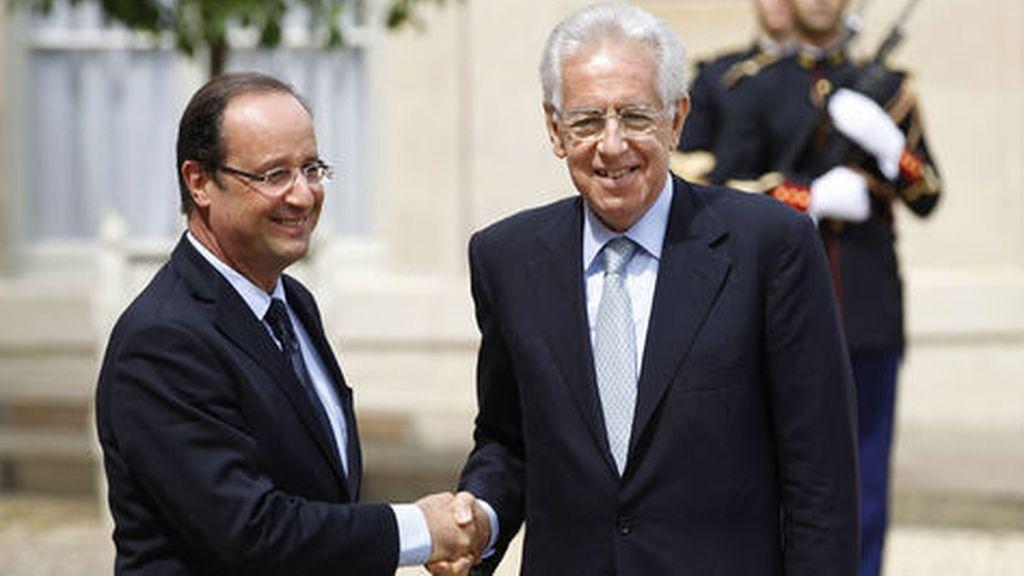 François Hollande y Mario Monti