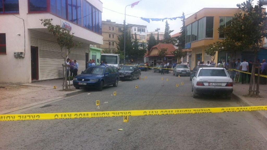 Asesinado un interventor socialista durante las elecciones en Albania