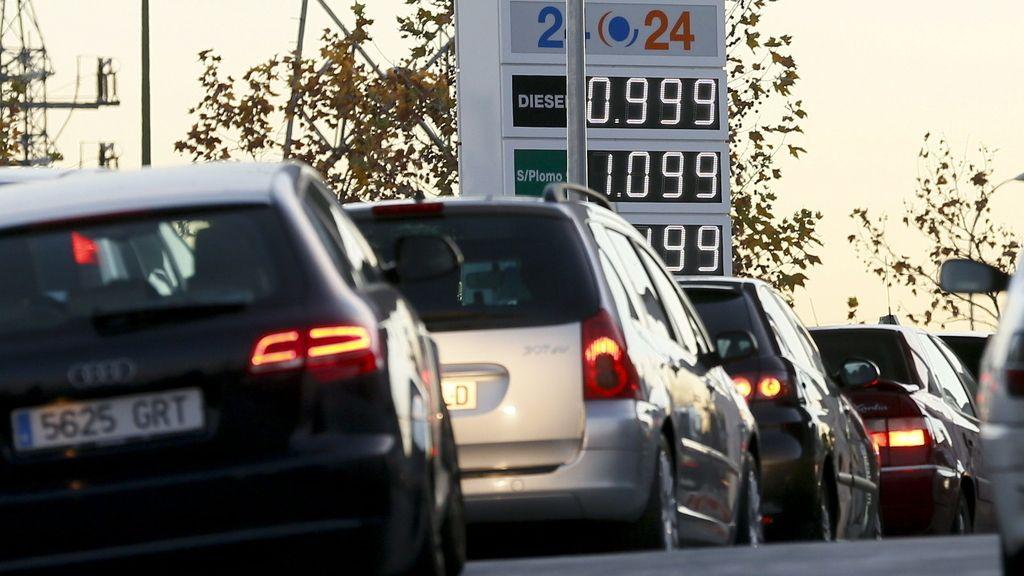 Los carburantes, un 13% más baratos que las Navidades pasadas