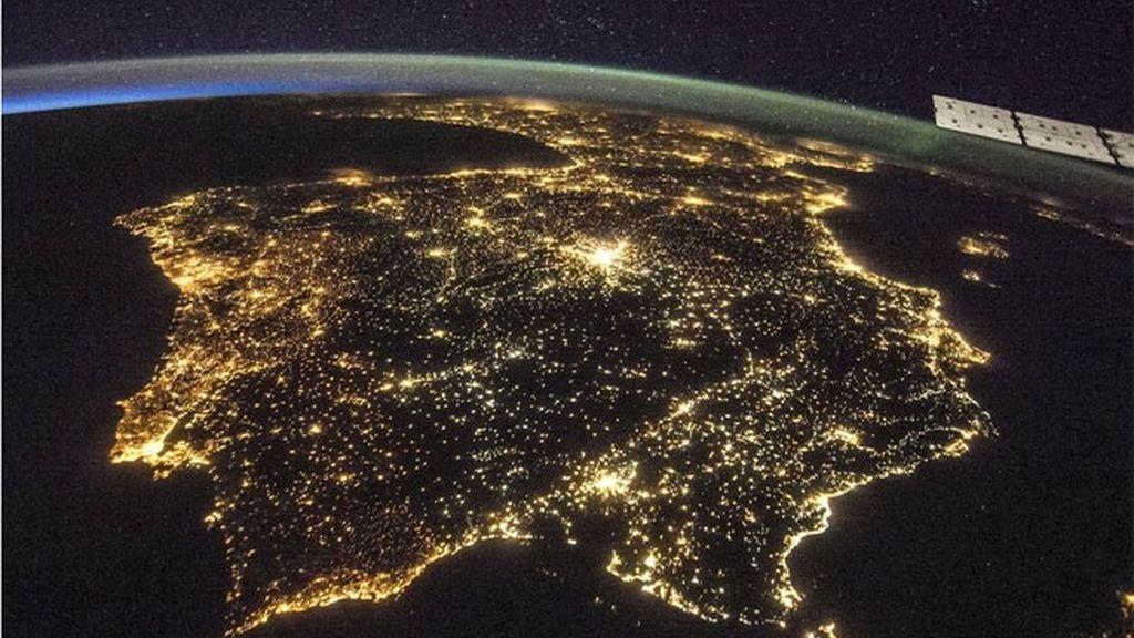 La foto de la contaminación lumínica en la Península Ibérica