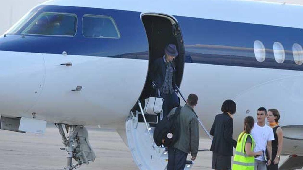 Madonna, a su llegada al aeropuerto de Le Bourget.