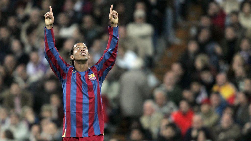 Ronaldinho sacó los aplausos del Bernabéu... hace ya diez años (19/11/2015)