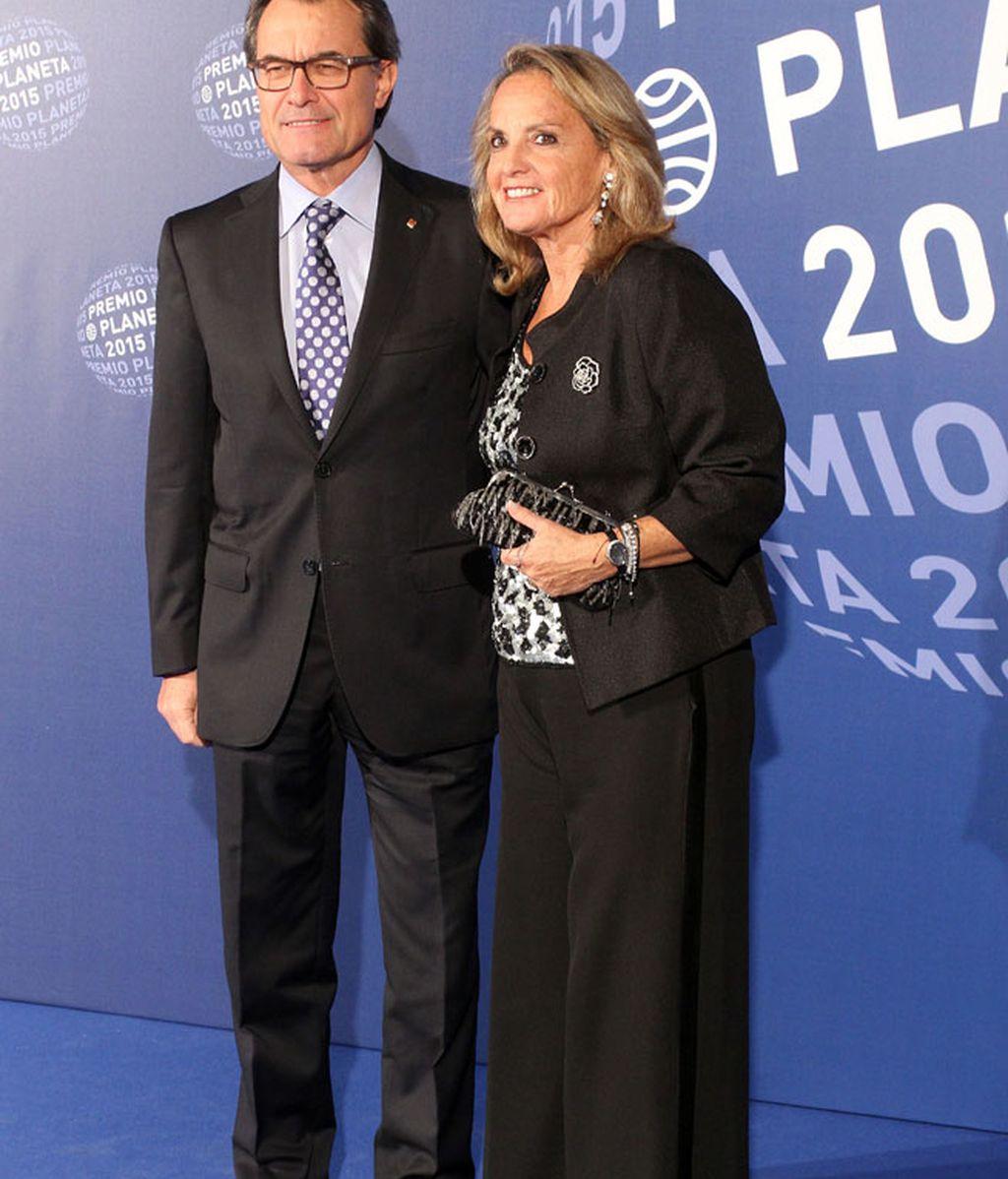 Artur Mas no quiso perderse el evento, junto a su mujer, Helena Rakosnik