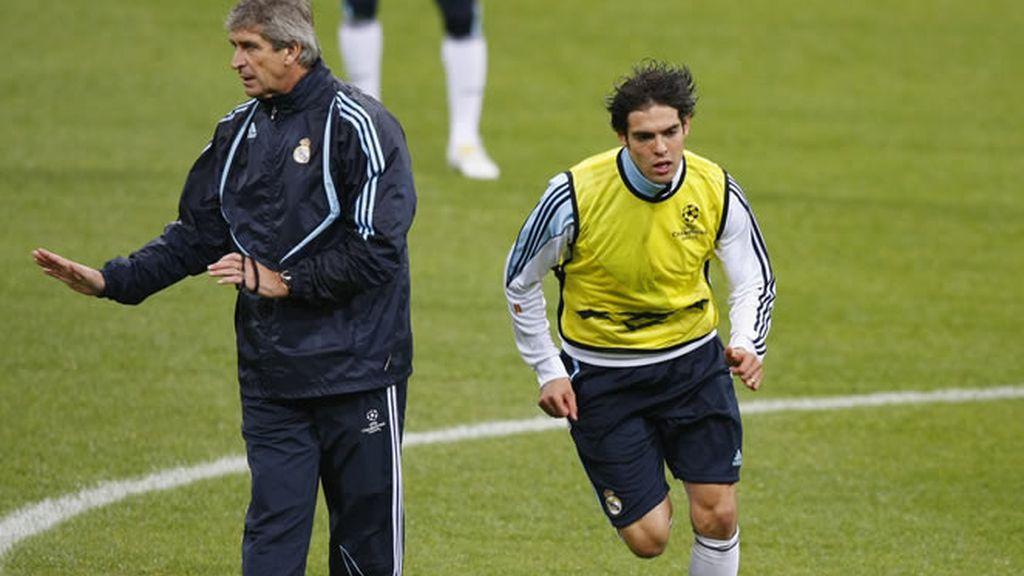 Pellegrini y Kaká, durante un entrenamiento