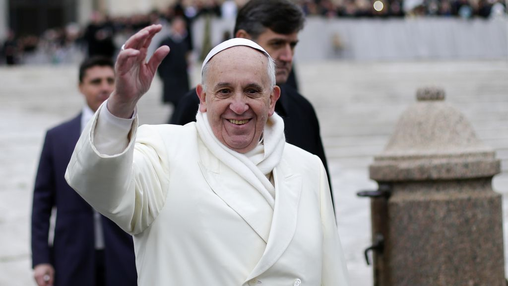 El Papa, el mejor vestido en el 2013
