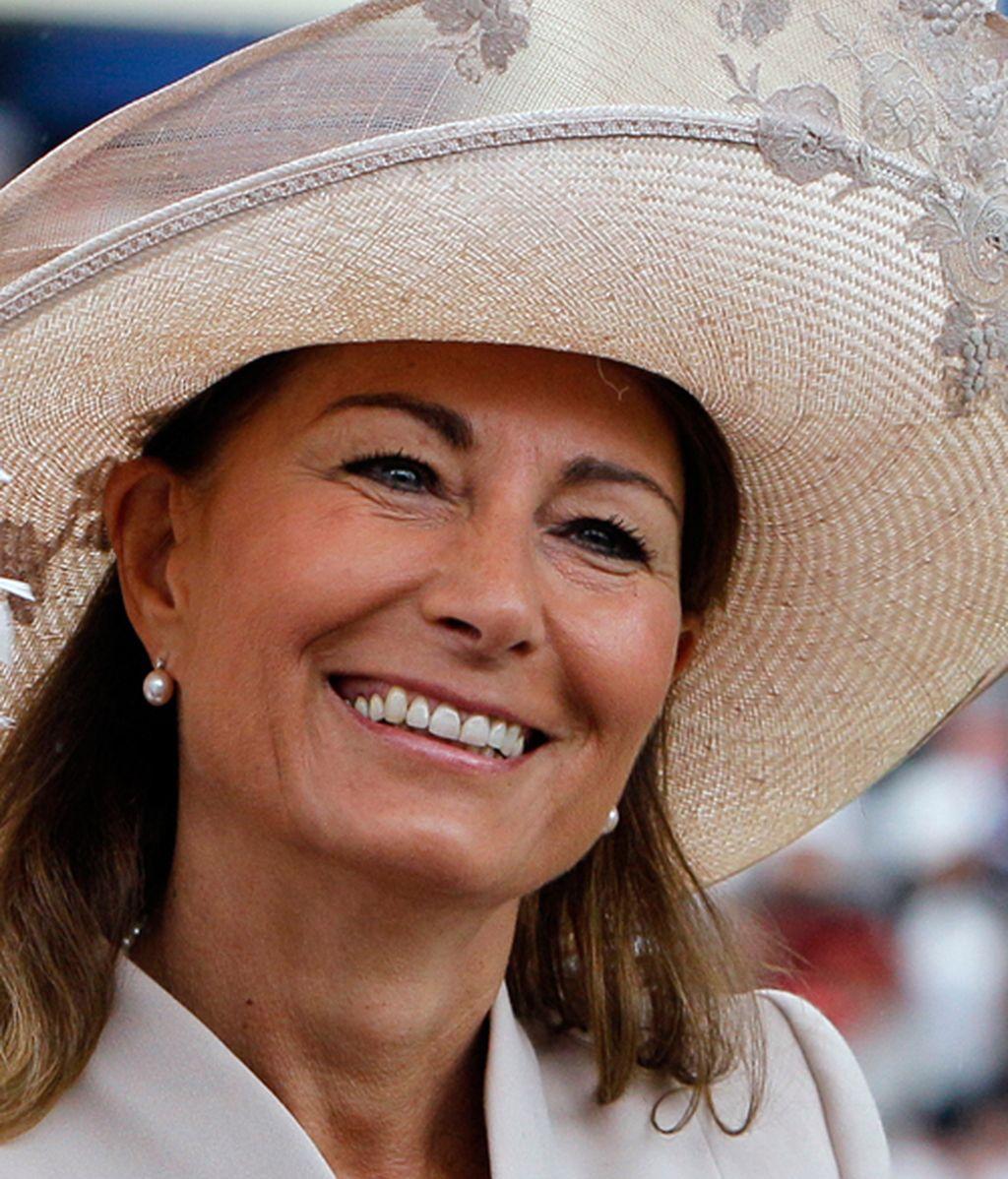 Beatriz de York se vuelve tímida con su sombrero en Ascot