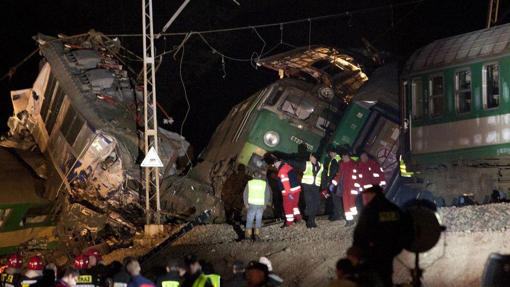 Imágenes del choque de trenes en Polonia