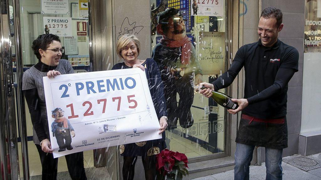 El segundo premio deja un quinto premio de 1,2 millones en Granada