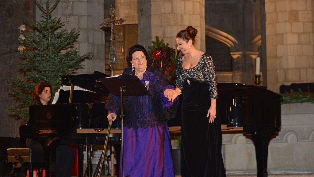 Montserrat Caballé en una actuación con su hija