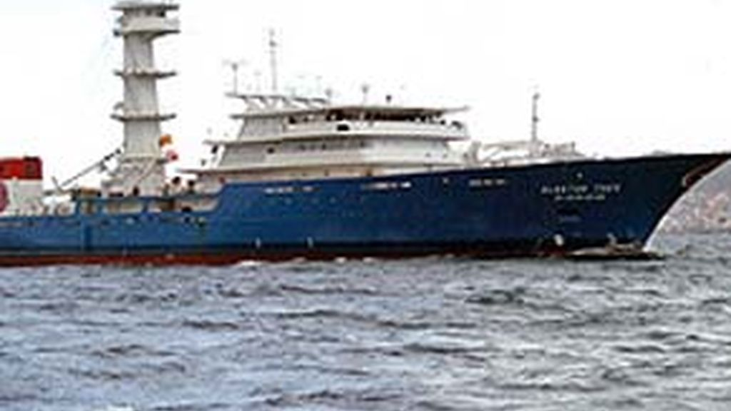 El pesquero Albacán escapa de los piratas. Video: Informativos Telecinco