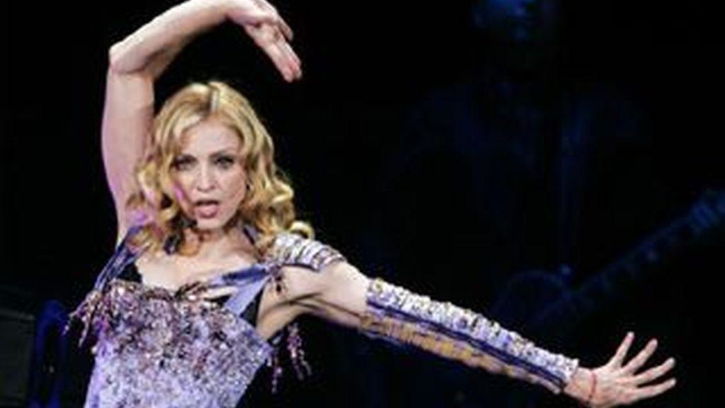 Imagen de archivo de Madonna durante una actuación. Foto: REUTERS