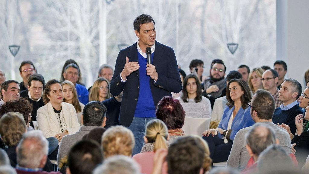 Pedro Sánchez acusa a Rajoy de no defender la Constitución