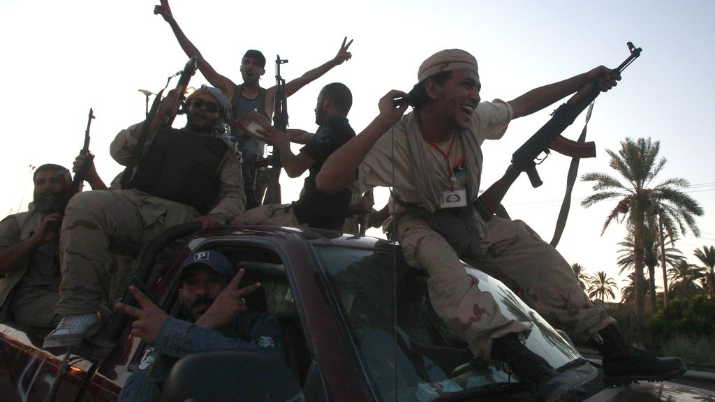 Los rebeldes celebran la entrada en Libia