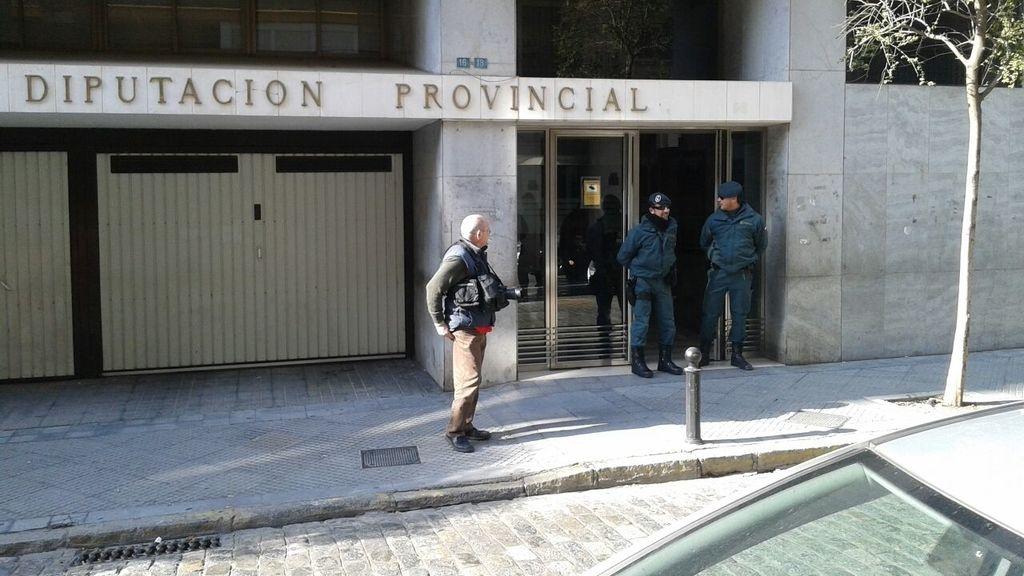 La Guardia Civil registra la diputación de Huelva