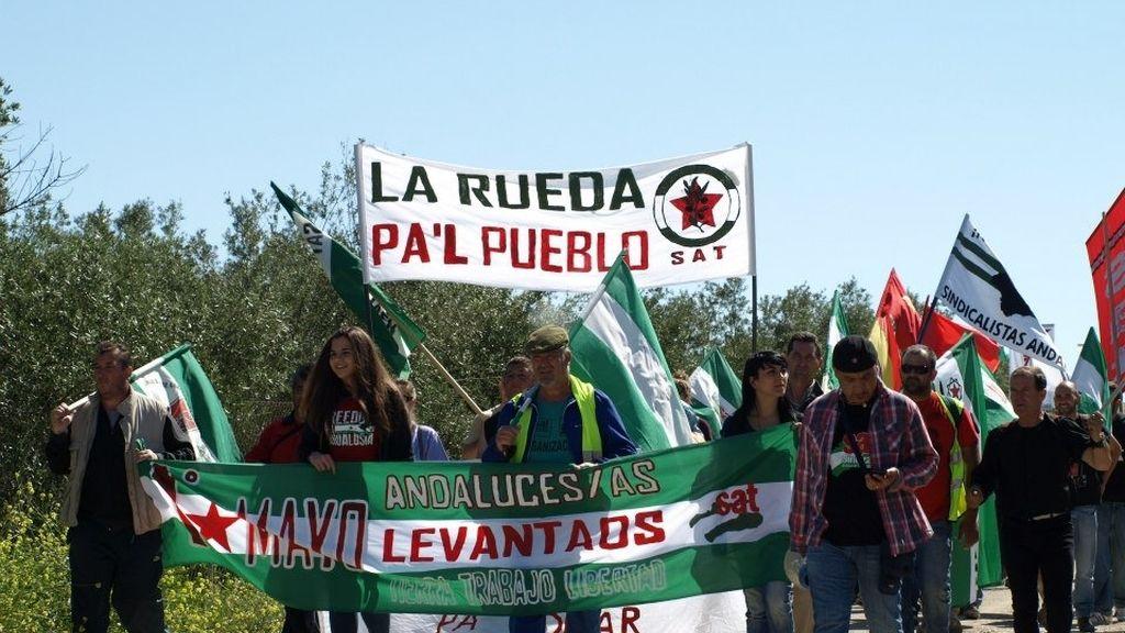 Jornaleros y militantes del SAT liderados por Cañamero y Sánchez Gordillo vuelven a entrar en Las Turquillas