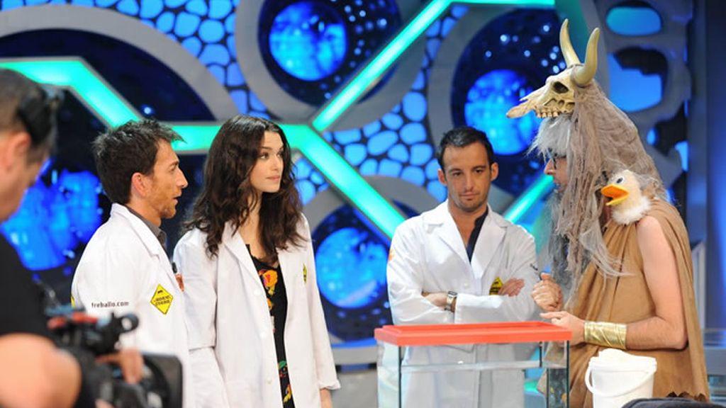 Alejandro Amenabar y Rachel Weisz en El Hormiguero