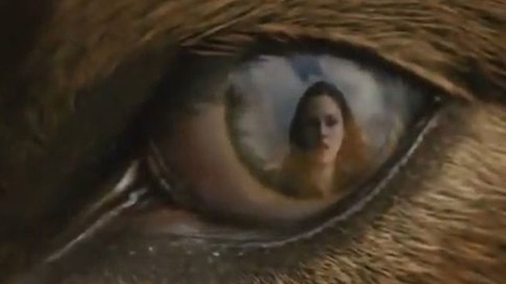 Bella reflejada en el ojo del 'lobo Jacob'