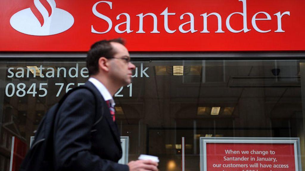 Cuatro imputados por intentar piratear el Santander en Reino Unido