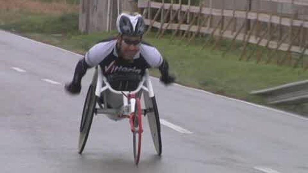 El deporte le ayuda a continuar su camino