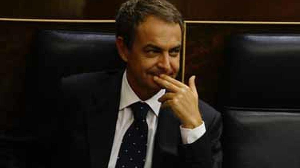 Zapatero respeta la abstención del diputado socialista Antonio Gutiérrez en la votación de la reforma laboral
