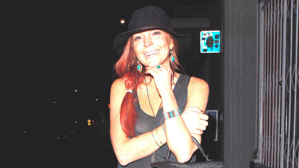 Ficha el estilismo de Lindsay Lohan y úsalo tanto en invierno como en verano