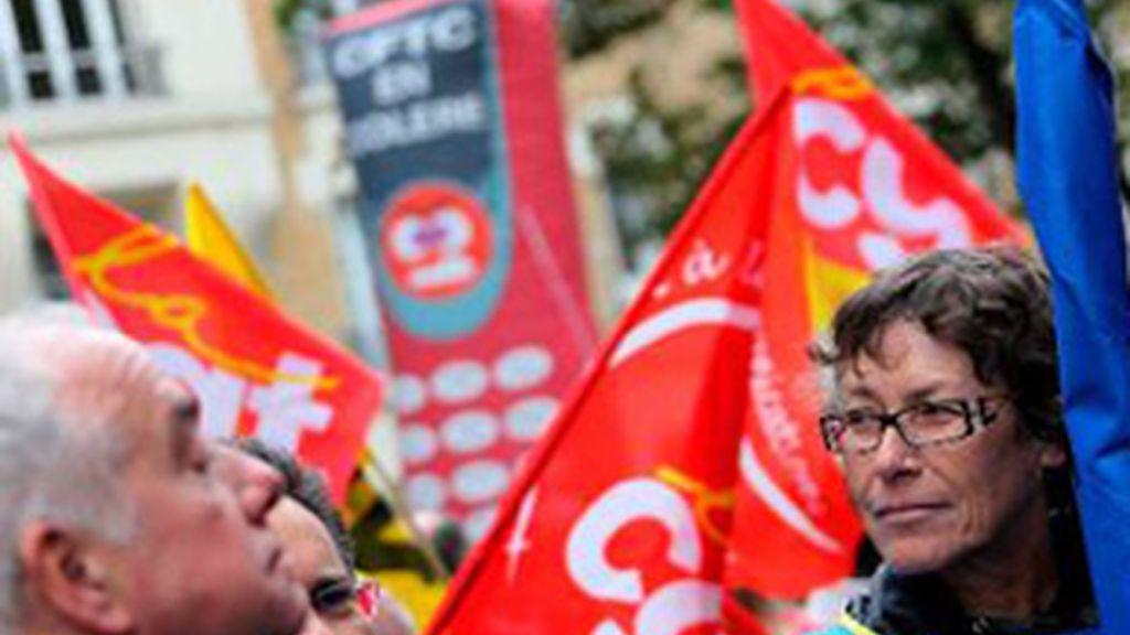 Los sindicatos franceses, en una manifestación por las durísimas condiciones en France Telecom. Foto: EFE