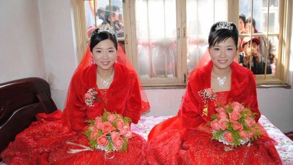 La doble boda de los gemelos chinos