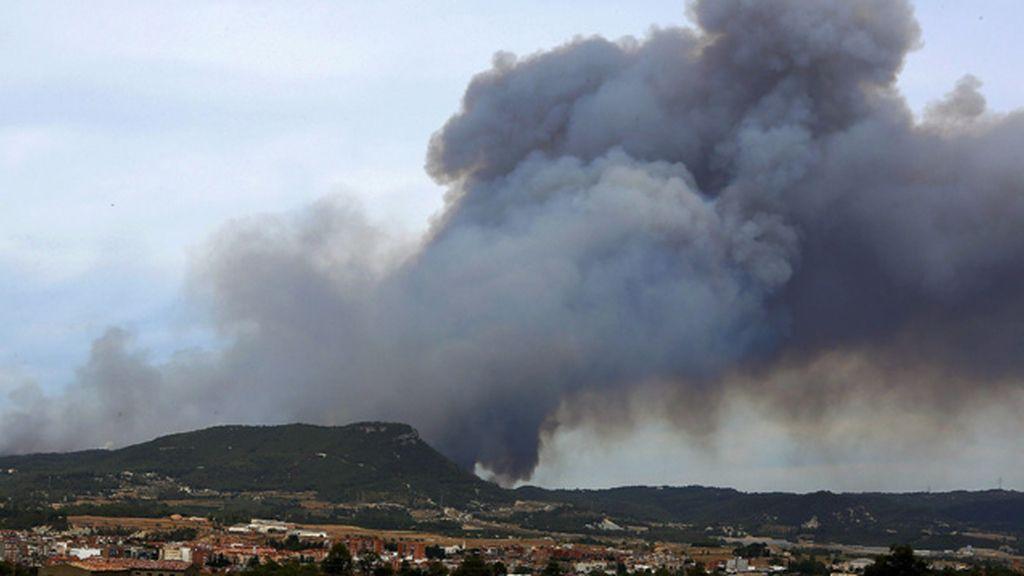 Incendio descontrolado en Barcelona