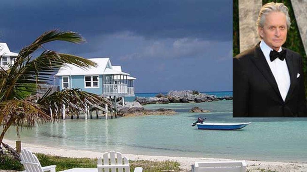 Michael Douglas, Ariel Sands en Bermudas