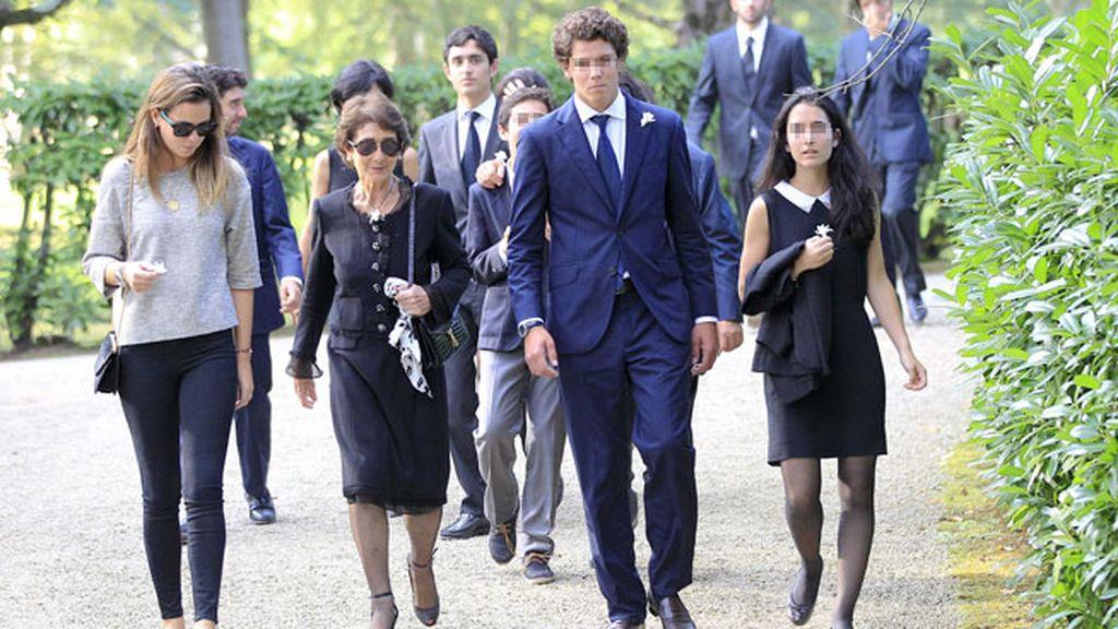 Paloma O'Shea junto a sus nietos