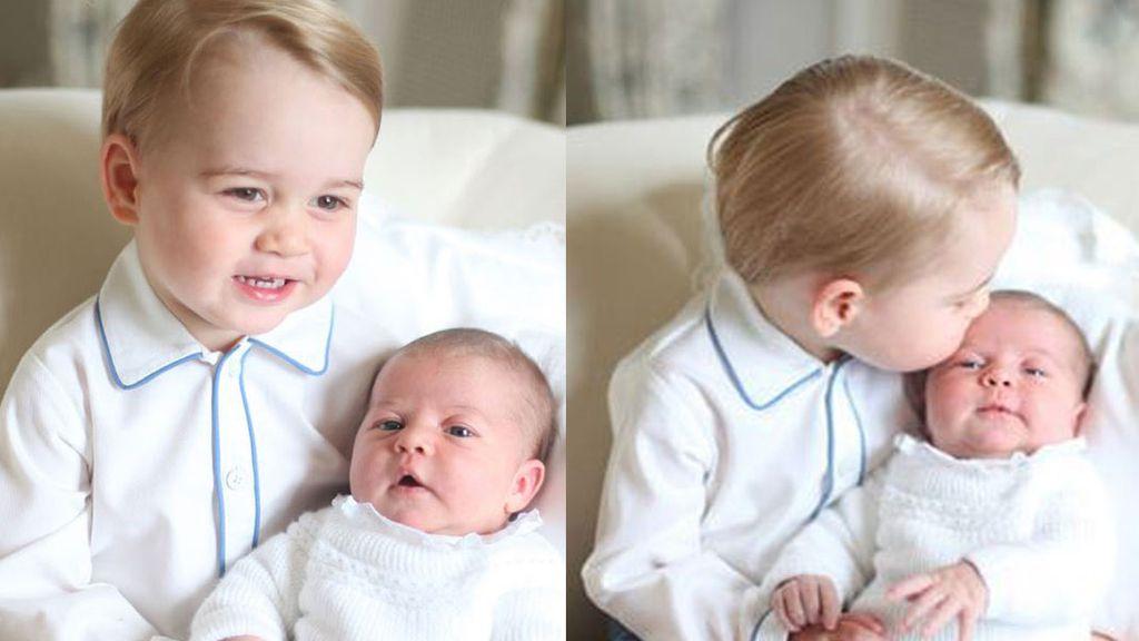 Así de contentos posan la princesa Charlotte y su hermano George