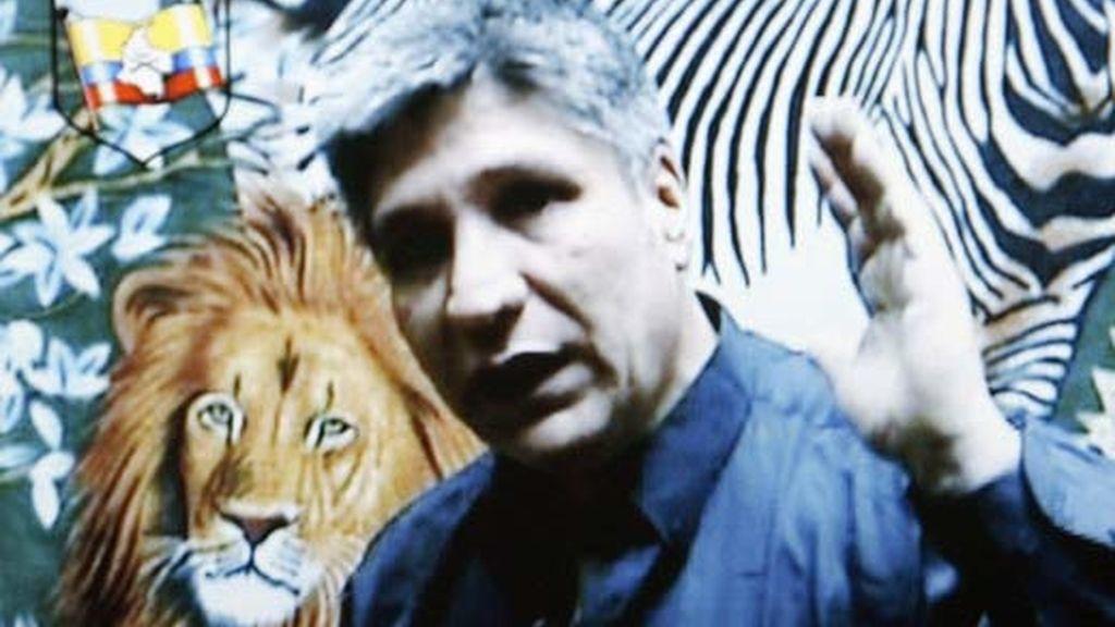 Imagen del vídeo enviado por las FARC como prueba de vida del ex diputado del Valle del Cauca Sigifredo López. Foto: EFE