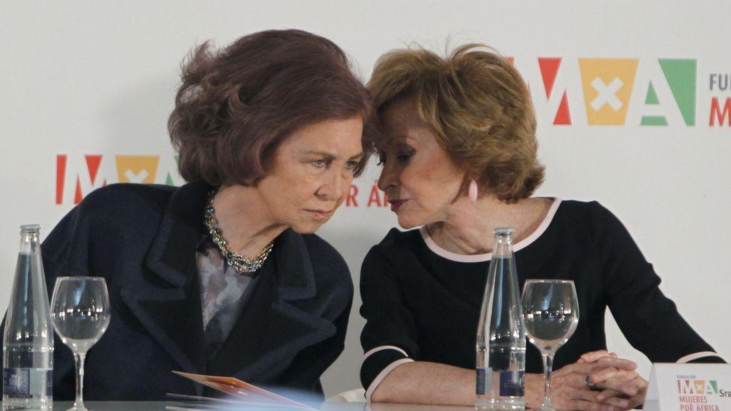 La Reina Doña Sofía y María Teresa Fernández de la Vega