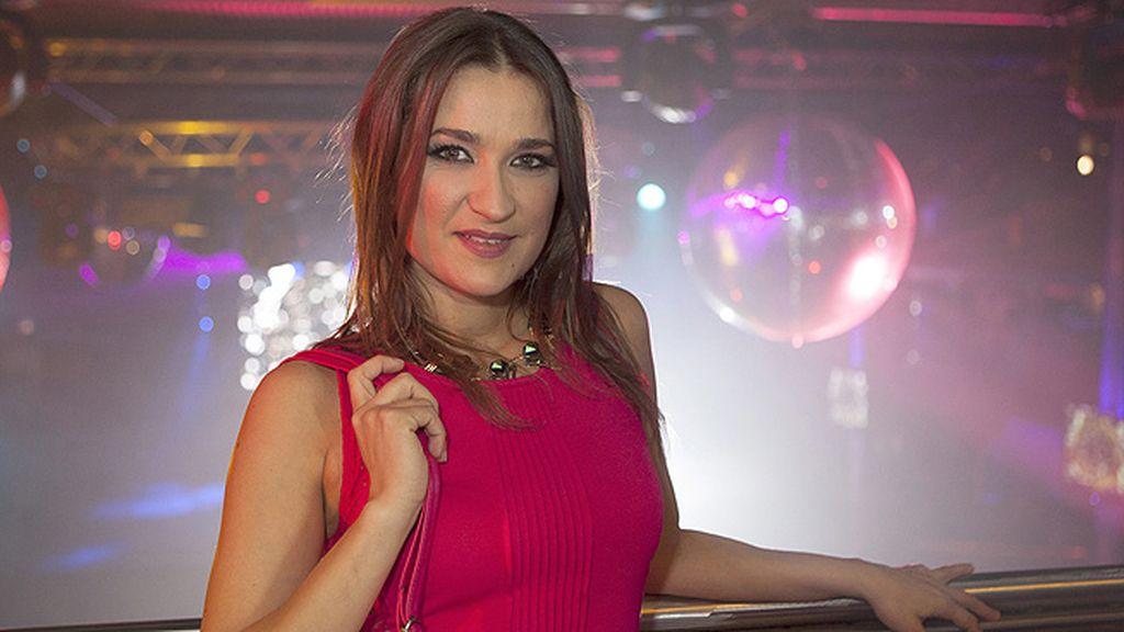 Ana (Lula Fernández)