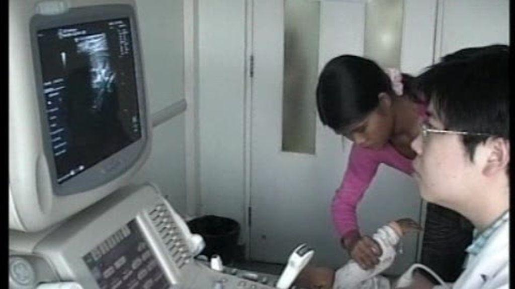 Lecha contaminada en China hace crecer pechos a los bebés
