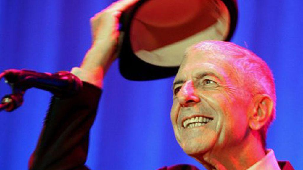 El escritor y compositor canadiense Leonard Cohen ha sido galardonado con el Premio Príncipe de Asturias de las Letras 2011.