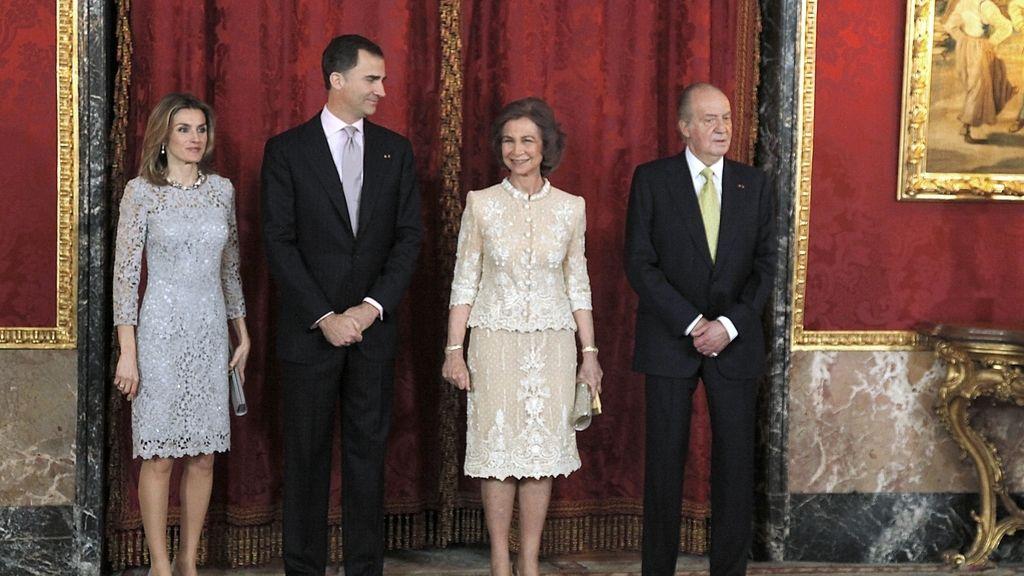 El rey Don Juan Carlos, la reina Sofía y los Príncipes de Asturias