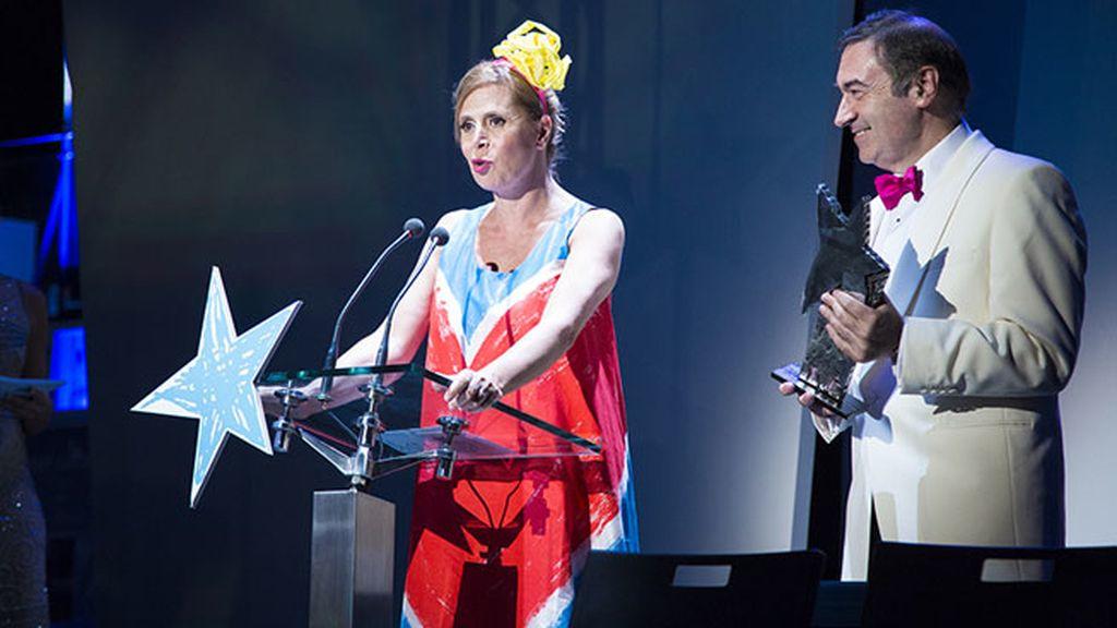 Agatha Ruiz de la Prada recibió el premio Corazón de manos de su marido