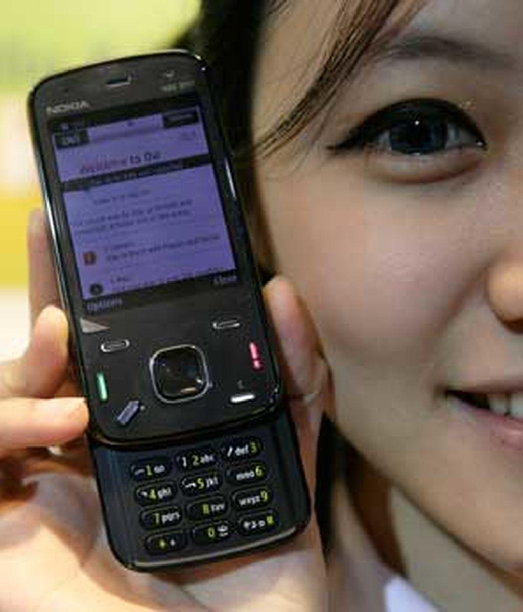 Nokia ofrecerá en sus teléfonos móviles los programas de Office de Microsoft. Foto: Reuters.