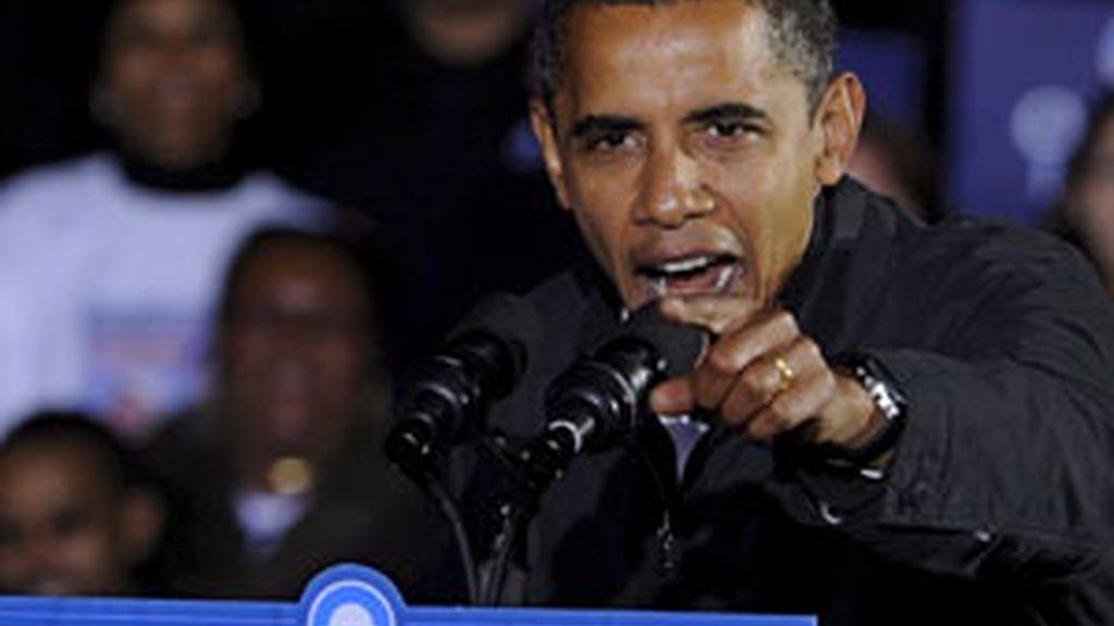 """El presidente electo Barack Obama califica a Bush de """"buena persona"""" , """"un hombre que adora a su familia y a su país"""".  Foto archivo EFE"""
