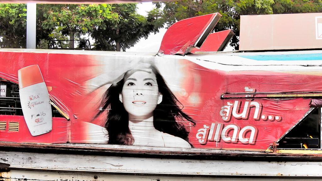 Modelos de mujer en la publicidad thailandesa